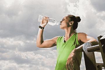 运动后喝什么水好 运动后喝什么牛奶好